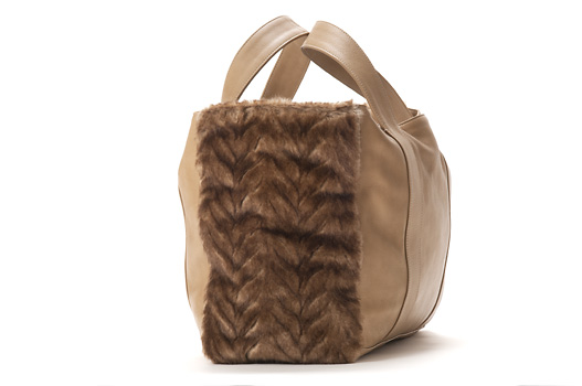 U hOO Classic Leather Tote - Caramel/Herringbone (detail)